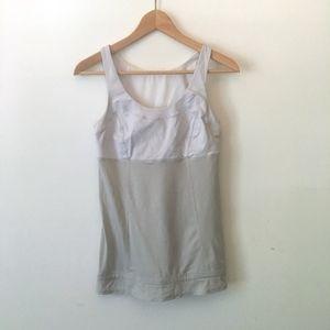 Lululemon Gray Workout Top Size 6 E13